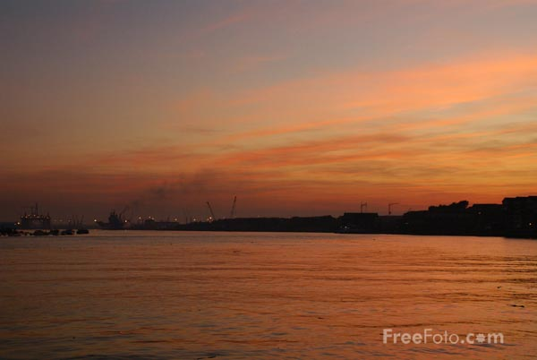 Picture of Sunset, River Tyne, North Shields - Free Pictures - FreeFoto.com