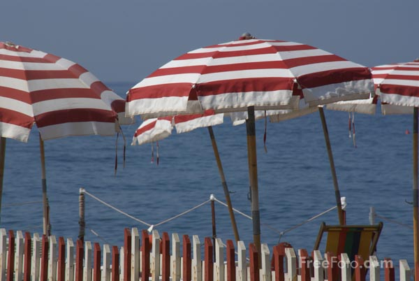 Picture of Beach Parasol and sea - Free Pictures - FreeFoto.com