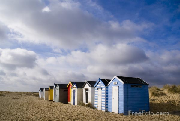 Picture of Beach huts in Southwold - Free Pictures - FreeFoto.com
