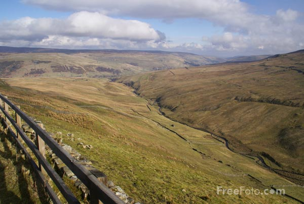Picture of Swaledale Valley, Yorkshire Dales - Free Pictures - FreeFoto.com