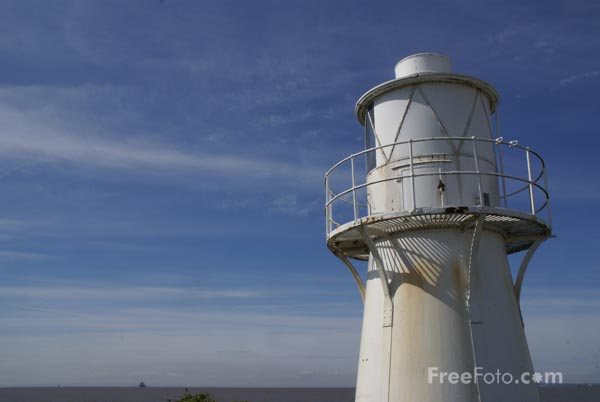 Picture of East Usk Lighthouse - Free Pictures - FreeFoto.com