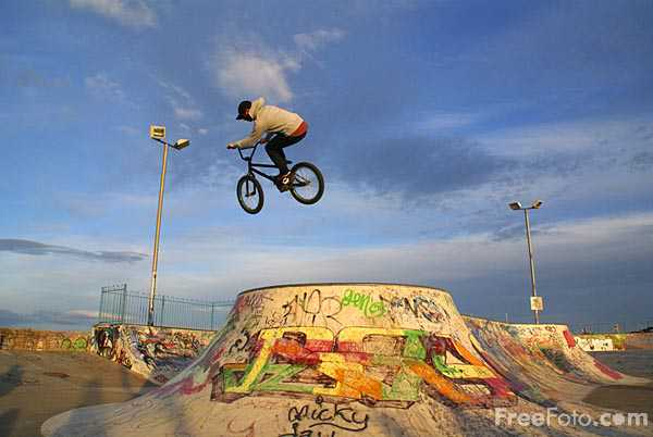 Picture of Skateboard Park, South Shields - Free Pictures - FreeFoto.com