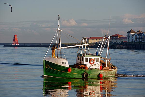 Picture of Fishing Boat Aurora, North Shields Fish Quay - Free Pictures - FreeFoto.com