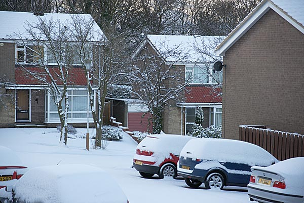 Picture of Overnight fresh snow in Gateshead - Free Pictures - FreeFoto.com