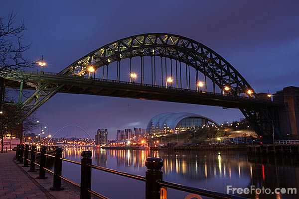 Picture of Tyne bridge at dawn - Free Pictures - FreeFoto.com