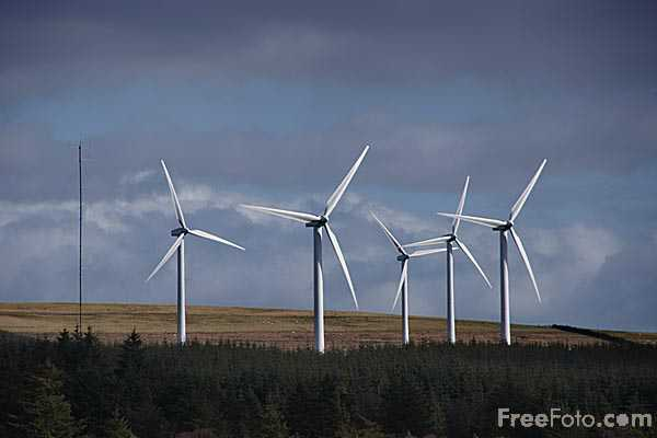 Picture of Dun Law Wind Farm, near Oxton in the Scottish Borders - Free Pictures - FreeFoto.com