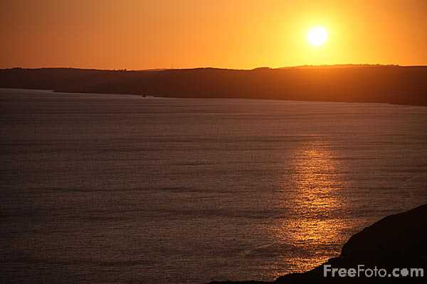 Picture of Sunset Whitsand Bay, Cornwall - Free Pictures - FreeFoto.com