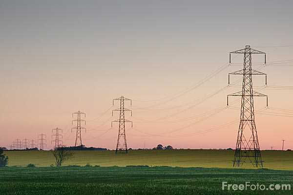 Picture of Electricity pylons - Free Pictures - FreeFoto.com