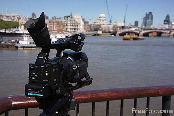 Picture of Sony PMW-EX1 HD camcorder  River Thames, London - Free Pictures - FreeFoto.com