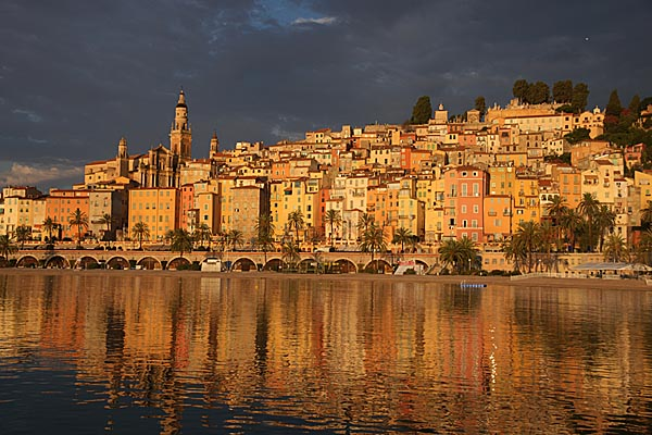 Picture of Menton old town at dawn - Free Pictures - FreeFoto.com