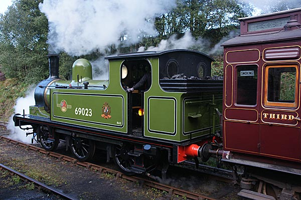 Picture of North Eastern Railway Class J72 69023 Joem - Free Pictures - FreeFoto.com