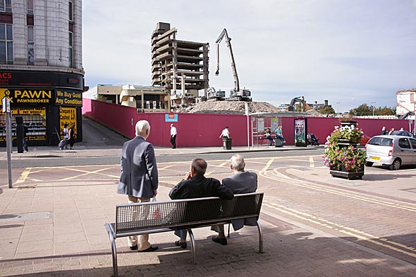 Picture of Get Carter Car Park Demolition, Gateshead - Free Pictures - FreeFoto.com
