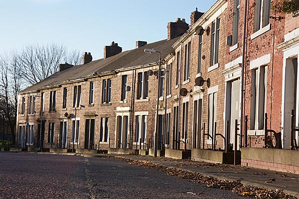 Picture of A row of derelict terraced houses awaiting demolition - Free Pictures - FreeFoto.com