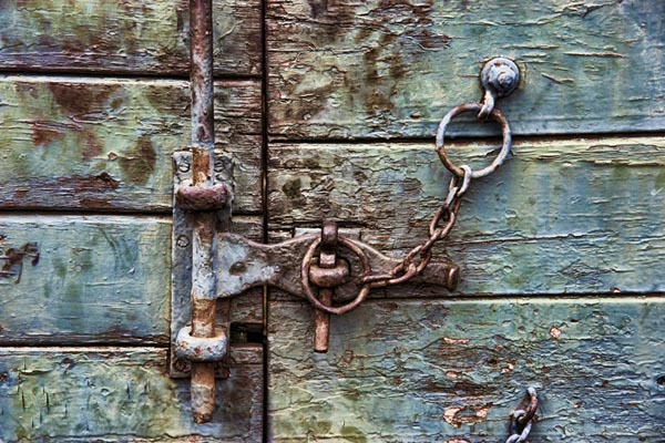 Picture of Chain and door lock - Free Pictures - FreeFoto.com