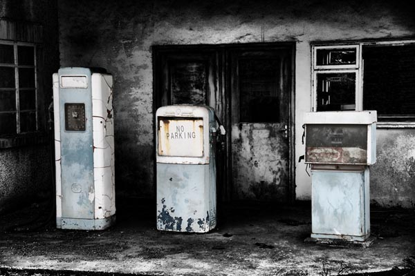 Picture of Old petrol pumps - Free Pictures - FreeFoto.com