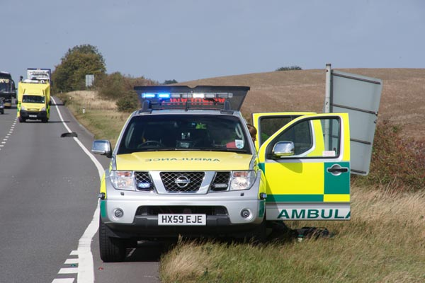 Picture of Paramedic Fast Response Vehicle - Free Pictures - FreeFoto.com