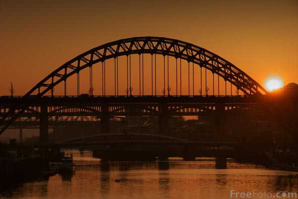 Picture of Tyne Bridge, Sunset - Free Pictures - FreeFoto.com