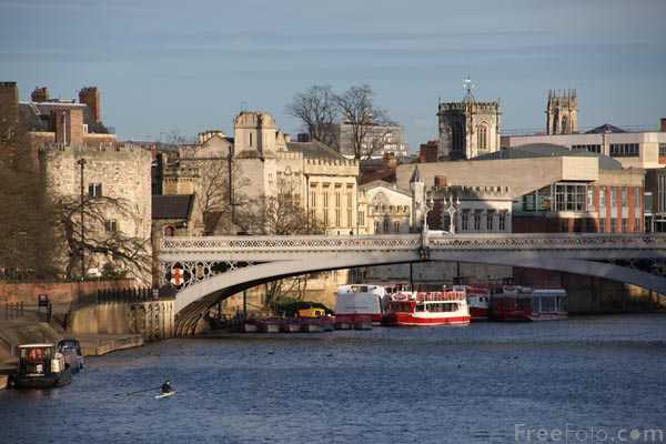 Picture of Lendal Bridge - Free Pictures - FreeFoto.com
