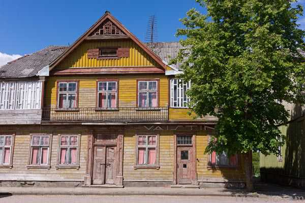 Picture of Wooden House, Ylakiai, Lithuania - Free Pictures - FreeFoto.com